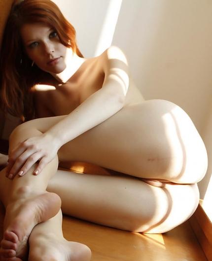 Naked babe Mia Sollis