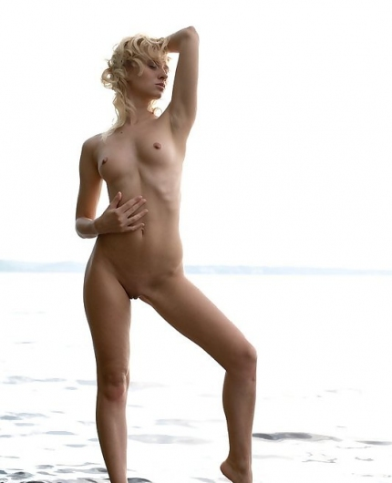 Femjoy model Odele