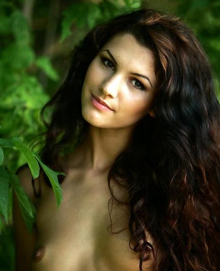 Erotic beauty Lola B