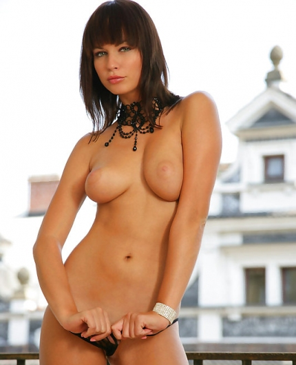 Nina balcony
