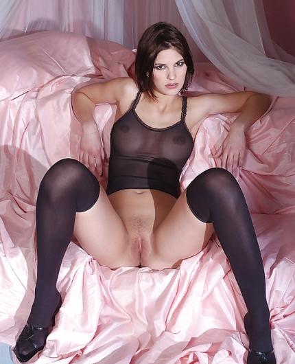 Demi Allen In Bed