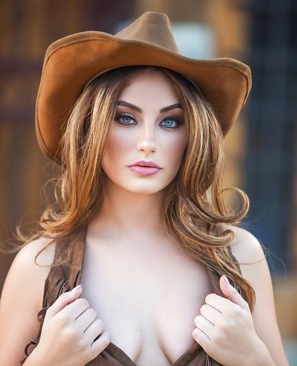 Lauren Love American Cowgirl By Playboy