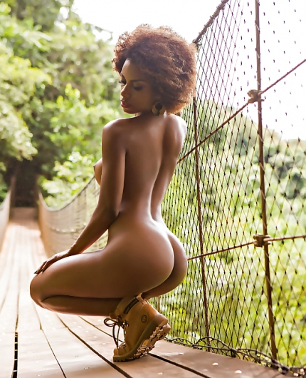 Ivi Pizzot By Playboy Brazil
