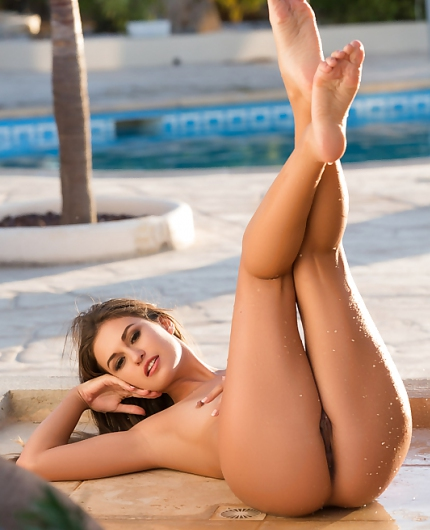 Demi Fray Sun Shower By Playboy