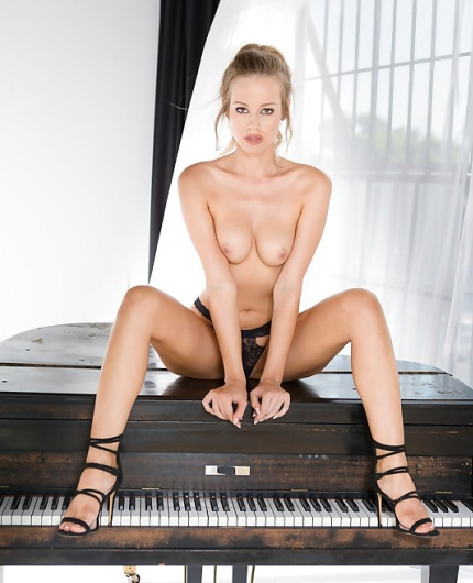 Olivia Preston Sweet Melody By Playboy