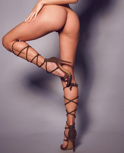 Gloria Sol Perfect Body By Alex Lynn