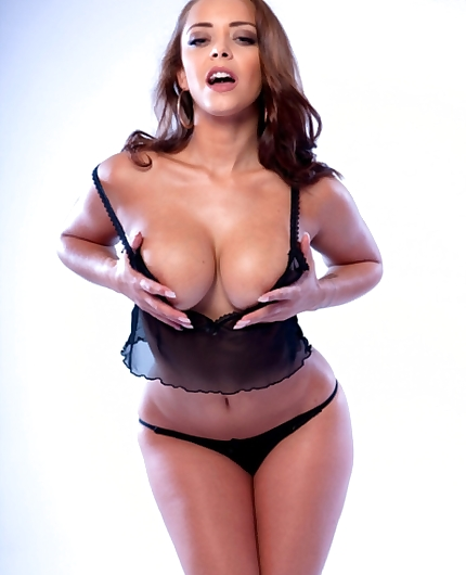 Liza Del Sierra stripping