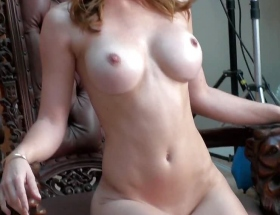 Heather Vandeven behind the scenes