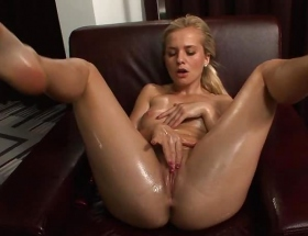 Bella Baby solo sex