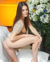 Sexy babe Vanda B