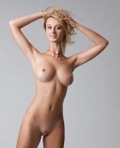 Delicious Carisha nude