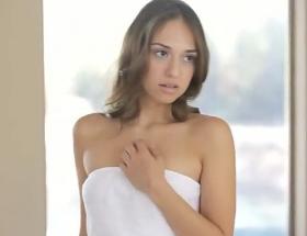 Sensual Sara Luvv