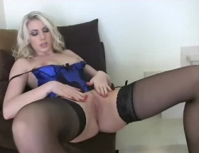 Danielle Maye legs open