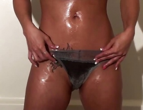 Nikki Sims shower video