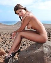Maria Desert Babe