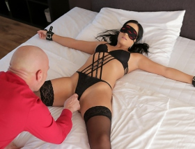 Tie Me Up With Anna Rose