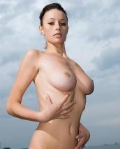 Anastasia Gurtovaya flashing